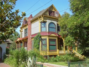 'Victorian House' by roarofthefour on Flickr